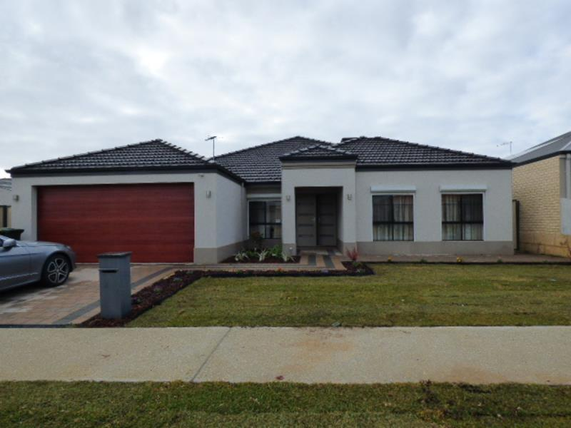 For Rent in 20 Kinloch Pass, Aubin Grove