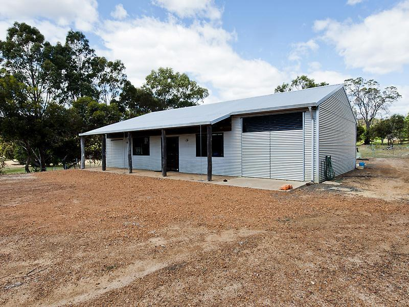 32 Nanga Brook Road,Waroona
