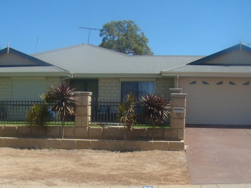 56 Reynolds Avenue,Greenfields